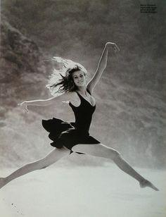 Niki Taylor, Photo France, December 1995