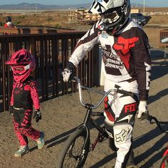 Pink's Daughter Willow, Husband Carey Hart Are Adorable in Matching BMX Ensembles: 'Like Father, Like Daughter' - Today Entertainment News Pink Daughter Willow, Carey Hart, Go Pink, Sweet Pic, Celebrity Kids, Mommy Style, Bmx Bikes, Hollywood Celebrities, New Movies
