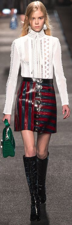 Louis Vuitton spring/summer 2015 collection – Paris fashion week