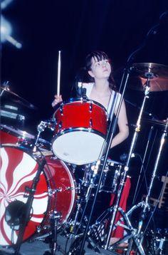Girl Drummer, Female Drummer, Meg White, Jack White, Drums Girl, Greys Anatomy Memes, The White Stripes, Political Art, Judas Priest