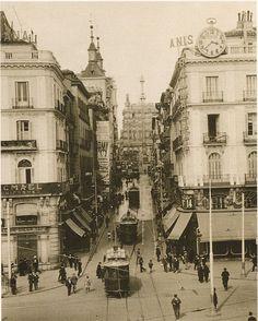 Calle montera desde la puerta del sol, comienzos del siglo XX