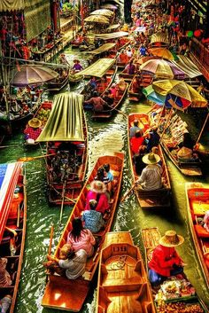 The Damnoen Saduak Floating Market, Bangkok, Thailand