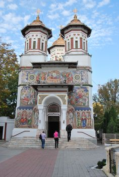 Romanian Orthodox Church in Tomis, Constanta Church Architecture, Religious Architecture, The Beautiful Country, Place Of Worship, Sacred Art, Kirchen, Mosque, Places To Visit, Castle