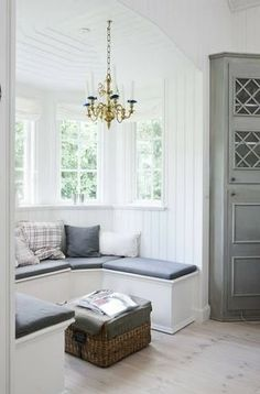I can't help it- i LOVE grey. The seating and bay window is AWESOME!