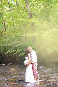 Amazing Outdoor Wedding Photography Poses Ideas #PregnancyPhotography