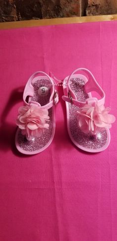 19db64a739f86e Toddler Girls Pink Sandals With A Pink Flower on Top Size 5  fashion   clothing