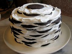 A new take on the old time favourite chocolate ripple cake! Famous Chocolate Icebox Cake by nabisco as seen on the cookie box via alicequfoodie: The classic cookies-n-cream. Summer Desserts, Just Desserts, Delicious Desserts, Dessert Healthy, Icebox Cake Recipes, Dessert Recipes, Yummy Recipes, Cooking Recipes, Yummy Treats