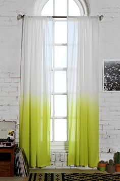 urbnite: Ombre Curtains by Assembly Home Dip Dye Curtains, Ombre Curtains, Yellow Curtains, Cheap Curtains, Style At Home, Cortina Boho, Curtains Living, Modern Curtains, Piece A Vivre