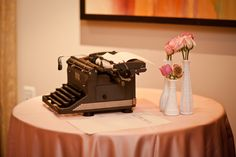 Typewriter Guest Book << Cute!  But I would want actual signatures, I think
