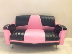 Another superb combination of pink and black for our Mini Cadillac.