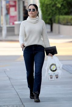 Sophia Bush nails off-duty chic in an oversized cream polo neck jumper Sophia Bush Style, Dakota Johnson Street Style, Cream Jumper, Polo Neck, Business Casual Outfits, Style And Grace, The Most Beautiful Girl, Casual Street Style, Off Duty