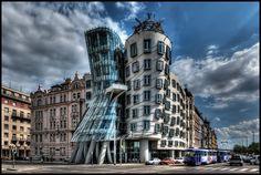 Dancing_House, (Tančící dům). Prague