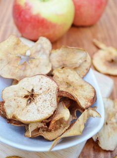 love lola: baked apple chips