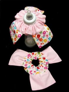 Bottle Bibs for Baby - Makes Feeding so much easier than burp pad under the chin and less messy. super simple to make - but would it work? Be worth the trouble? - knickknackcraft.com