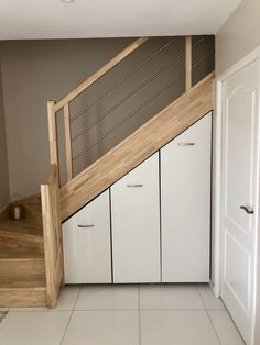 Staircase storage - New Ideas Home Stairs Design, Interior Stairs, House Design, Bathroom Interior, Stairway Storage, Basement Master Bedroom, House Stairs, Under Stairs, Bedroom Vintage