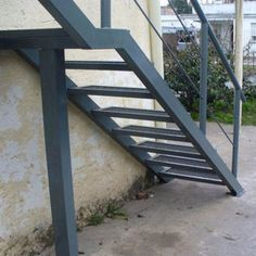 Escaleras de hierro | ARKIMETAL Glass Stairs, Steel Stairs, Exterior Stairs, Staircase Design, Welding Projects, Wrought Iron, Ideas Para, Patio, Architecture
