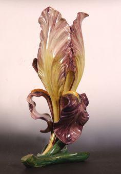 Unique et créatif Massier Majolica Iris Sédiment Wine Glass Crafts, Plaster Art, Keramik Vase, Porcelain Vase, White Porcelain, Pottery Art, Ceramic Art, Flower Art, Art Decor