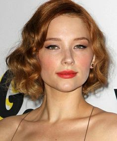Haley Bennett, Ginger Hair, Diy Hairstyles, Simply Beautiful, Pretty People, Beautiful People, Hair Trends, Naturally Curly, Redheads