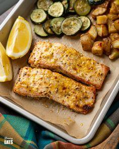 Oven Baked Mustard Salmon Fillets | Slimming Eats Recipe Oven Baked Salmon Fillet, Oven Baked Fish, Baked Salmon Recipes, Salmon Fillets, Seafood Recipes, Slimming World Vegetarian Recipes, Healthy Eating Recipes, Low Calorie Recipes, Healthy Food