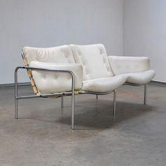Martin Visser; Leather and Chromed Metal Sofa for Spectrum, 1960s.