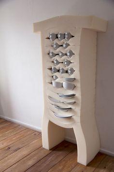 Soft Cabinets - Studio Dewi Van De Klomp designer néerlandais atelier dewi Van de klom - armoires de mousse en caoutchouc souple. Ainsi, les pièces montrent le résultat d'une étude sur le produit et son potentiel.