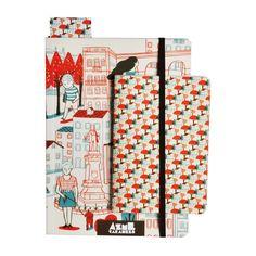 Caderno A5 com elástico e Caderno de bolso com um padrão/azulejo da cidade de Coimbra, ilustrados por Marta Monteiro.  Cadernos feitos em série limitadas - Coleção Cidades de Portugal .