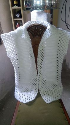 Diy Crafts - Best 12 Baby Knitting Patterns Scarf Bolero on the motif of Doris Chen – Country Mam Crochet Patterns Jacket Posts on topic 'tops jacket Crochet Bolero Pattern, Gilet Crochet, Lace Knitting Patterns, Crochet Coat, Crochet Jacket, Chunky Crochet, Crochet Cardigan, Crochet Shawl, Crochet Clothes