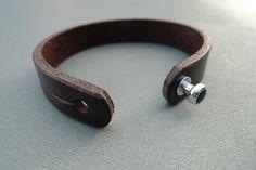 Mens bracelet leather with green spot aluminium by SylviaJanssen, €45.00