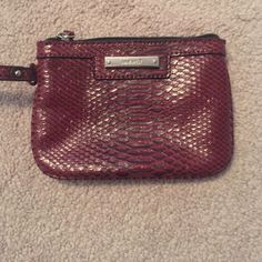 Nine West wristlet Red alligator print Nine West wristlet Nine West Bags Clutches & Wristlets