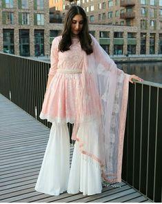 frock and plazo . Pakistani Fashion Casual, Pakistani Dresses Casual, Pakistani Dress Design, Pakistani Wedding Dresses, Indian Wedding Outfits, Indian Outfits, Wedding Lehnga, Ethnic Outfits, Indian Attire