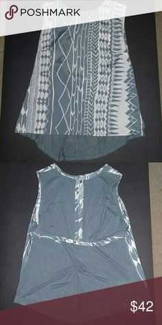 Anthropologie Dolan Blue Top Patterned Blouse with cross cut fabric in the back. Anthropologie Tops Blouses