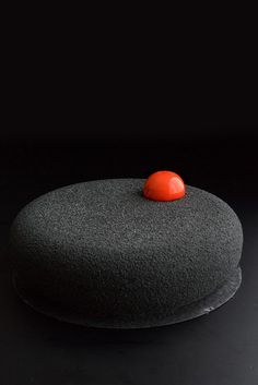 Dessert made of silicone mould: SILIKOMART PROFESSIONAL Eclipse