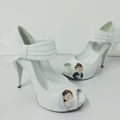 Wedding shoes ♥ Bride shoes ♥ Sapato de noiva ♥ #lapupa #bride #weddingshoes #shoes #handmade #handpainted #bride #vestidodenoiva #art #artshoes #brideshoes #weddingshoes #noiva #sapatodenoiva #wedding #inspiration #design #designshoes #bridal #bridalshoes #casamento #sapatos #sapato #pic #fotografia #photografy #studio www.lapupa.com.br