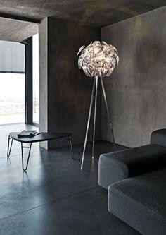 Hope Floor lamp - / Three legs - H 198 cm by Luceplan