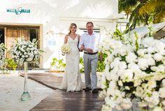A Marina e o Lucas são do interior de São Paulo, mas sempre sonharam com um casamento ao ar livre e optaram por fazer um Destination Wedding em Cancún.