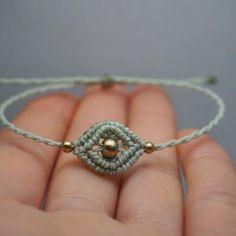 #handmade #macrame #bracelet #handicraft #madeinberlin #madewithlove #micromacrame #makramee #gold #jewelrydesigner #jewelry #handgemacht #armband #schmuck #makrameeschmuck #handmadejewelry #macramé #macramelove #sonya6000 #sonyalpha6000 #brass #beads #basteln