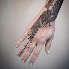 [detail] #hightechtattoo #handtattoo #circuit #cyborgism #blackworktattoo #lineworktattoo