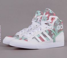 adidas Extaball W - s i l v i a ♥ b - - Foto Nr. adidas Extaball W - s i l v i a ♥ b Tenis Nike Casual, Tenis Nike Air Max, Casual Sneakers, Sneakers Fashion, Casual Shoes, Fashion Shoes, Chunky Sneakers, Fresh Shoes, Hot Shoes