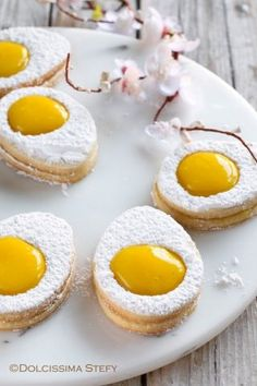 Easter is a perfect time to hit the kitchen, create wonderful delicious cookies and get baking. Plus, your kids will totally love helping you prepare this simple Italian Easter egg-shaped cookies! No Egg Cookies, Yummy Cookies, Cookies Et Biscuits, Cake Cookies, Sugar Cookies, Cookie Favors, Heart Cookies, Cookie Recipes, Dessert Recipes