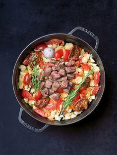 Etwas deftiger, aber dafür nicht minder lecker ist die One Pot Pasta mit Rind…
