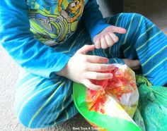 Would like to put together a color mixing activity without all the mess that comes with it? Try shaving cream color mixing sensory bag! Toddler Sensory Bins, Sensory Activities Toddlers, Sensory Bags, Motor Skills Activities, Indoor Activities For Kids, Infant Activities, Toddler Preschool, Sensory Bottles, Sensory Play