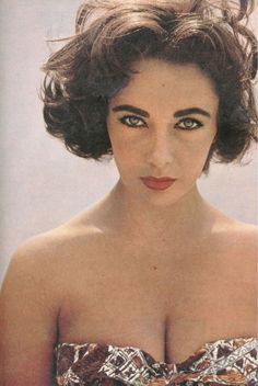 Elizabeth Taylor: Stunning photo! Pinned b/c I love the length and style of her hair as shown here.