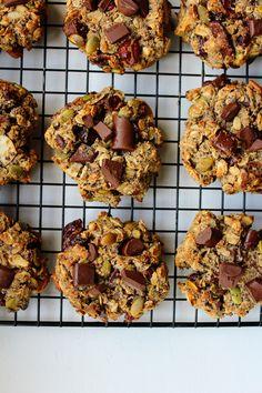 Trail Mix Cookie Recipe, Trail Mix Cookies, Almond Flour Cookies, Coconut Flour, Breakfast Cookies, Granola Bars, Healthy Treats, Sweet Treats, Pumpkin