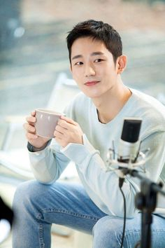 Todo meu amorrr a jung hae in Drama Korea, Korean Drama, Asian Actors, Korean Actors, Strong Woman Do Bong Soon, Korean Men Hairstyle, Park Seo Joon, Kdrama Actors, Fnc Entertainment