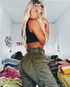 Karina Ulianov, la militar más sexy del mundo