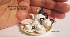 Mini rooster tea set