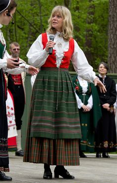 a style for warmer weather Folk Costume, Costumes, Sons Of Norway, Norwegian Clothing, Oslo, Homeland, Folklore, Handicraft, All Things