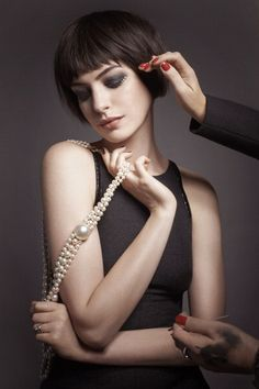 anne hathaway ~~  she looks so beautiful here