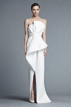 Robe de mariée structurée très originale, signée J.Mendel Spring 2015 - collection mariage
