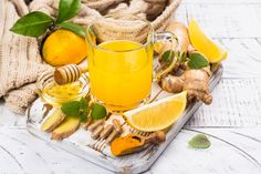Healthy tips for your Stay hydrated and give your immune system a gentle boost with this naturally. Healthy Body Weight, Healthy Fats, Healthy Eating, Cooking Videos, Food Videos, Recipe Videos, Vitamin D Rich Food, Protein Rich Foods, Balanced Diet